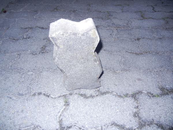 32 qm, 6cm Knochensteine zu verschenken - Landau - ZU VERSCHENKEN !!!ca. 32 qm gebrauchte Knochensteine zu verschenken für Selbstabholer. Stärke 6 cm - Landau