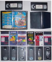 8 VHS Videocassetten