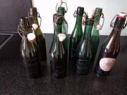 9 alte Bierflaschen