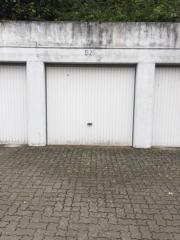 Abschließbare Garage zu