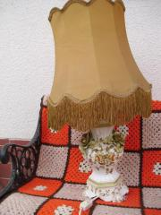 Alte Stehlampe mit