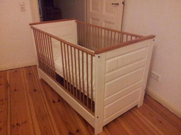 baby kinderbett 39 pep bambino 39 mit matratze massiv wei gebraucht in garbsen wiegen. Black Bedroom Furniture Sets. Home Design Ideas
