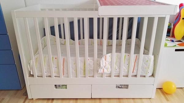 babybett ikea 120x60 mit zwei schubladen und wickelauflage in vaterstetten wiegen babybetten. Black Bedroom Furniture Sets. Home Design Ideas