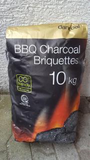 BBQ grill briketts