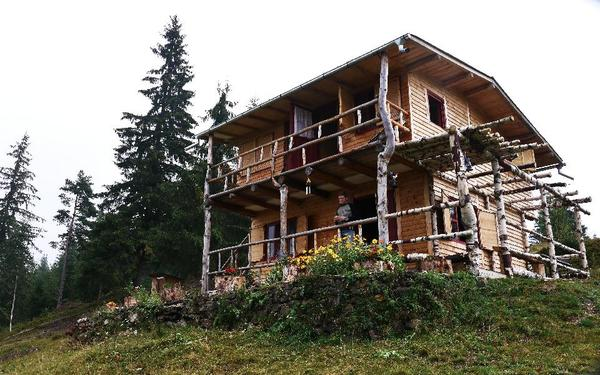 bergh tte 5 4 ha land in rum nien bucovina zu verkaufen. Black Bedroom Furniture Sets. Home Design Ideas