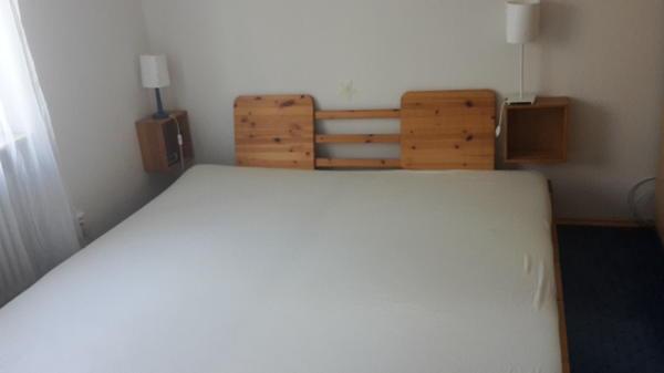 bett 200x200 von möbelum mit lattenrosten und matratzen in, Hause deko