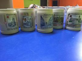 Sonstige Sammlungen - Bierkrüge mit Zinndeckel