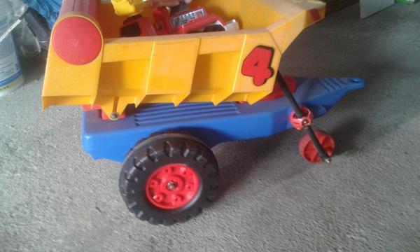 BIG Kipp-Anhänger für Kindertraktor etc