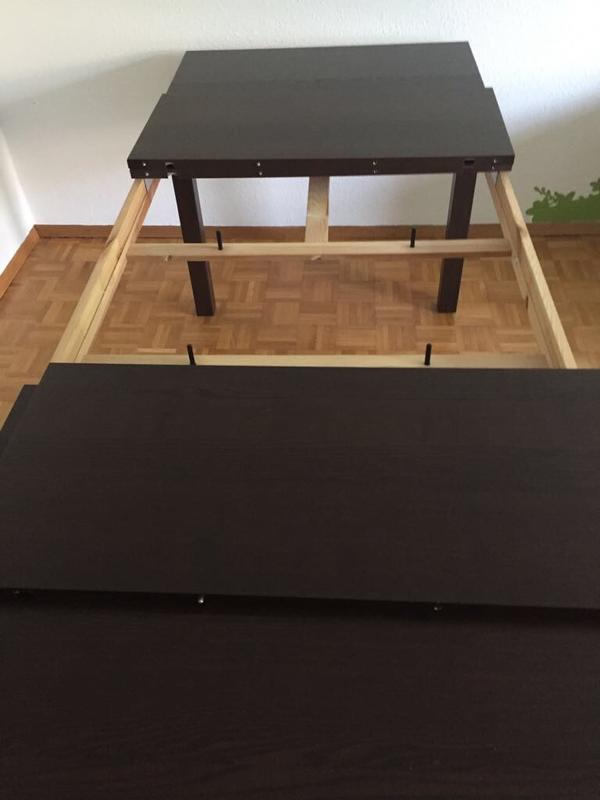 Bjursta Esstisch - Ludwigshafen - Verkaufe den Esstisch Bjursta (Ikea) in der Farbe Schwarzbraun.Der Tisch ist 1,75m lang, kann auf 2,60m verlängert werden. Ausziehplatten sind vorhanden (siehe Foto)Tisch ist in einem guten und gepflegten Zustand.Neupreis lag bei: 199EUR - Ludwigshafen