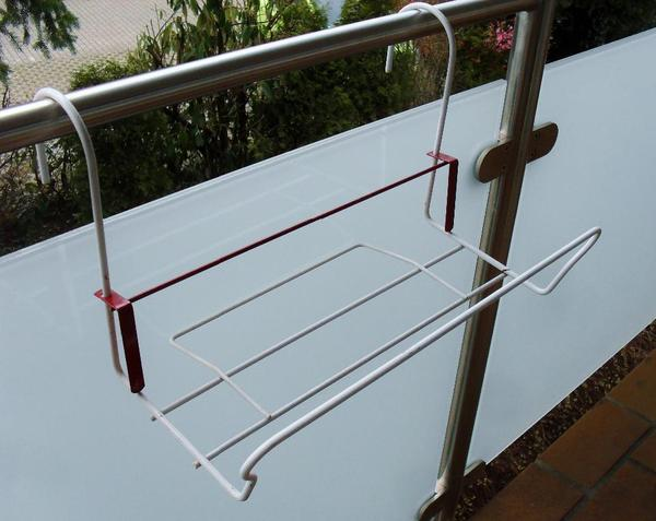 blumenkastenhalter balkon ohne bohren zum h ngen in eppelheim sonstiges f r den garten balkon. Black Bedroom Furniture Sets. Home Design Ideas