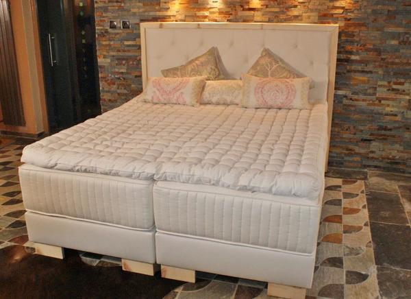 boxspringbett zirbe rosshaar neu schn ppchen in bregenz betten kaufen und verkaufen ber. Black Bedroom Furniture Sets. Home Design Ideas
