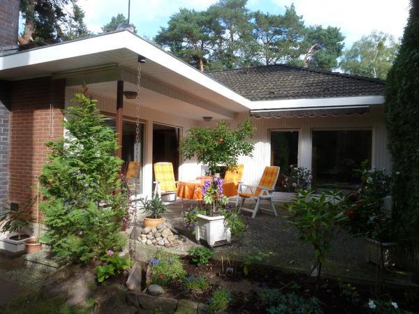 bungalow berlin kladow in wald und wasserlage 1 familien h user kaufen und verkaufen ber. Black Bedroom Furniture Sets. Home Design Ideas