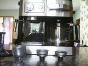 DeLonghi Kaffeemaschine - fast