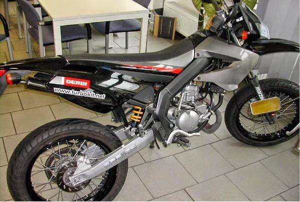 Derbi Senda SM » Motorrad-, Roller-Teile