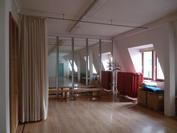 design spiegel wand in multifunktionalem aluprofil f r. Black Bedroom Furniture Sets. Home Design Ideas