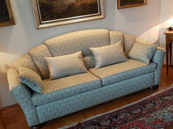 DESIGNER-COUCH EINZELANFERTIGUNG UNIKAT - München Westpark - DESIGNER-COUCH EINZELANFERTIGUNG UNIKATUmzugsbedingt müssen wir unsere als Unikat angefertigte Designer-Couch verkaufen.Diese äußerst dekorative Couch ist in einem hervorragendem Zustand, hat keinerlei Abnutzungsspuren bzw. ist auch - München Westpark