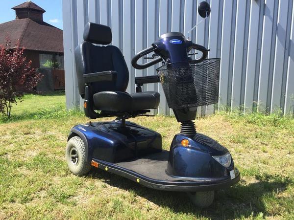 elektro scooter roller invacare rollstuhl in allershausen. Black Bedroom Furniture Sets. Home Design Ideas