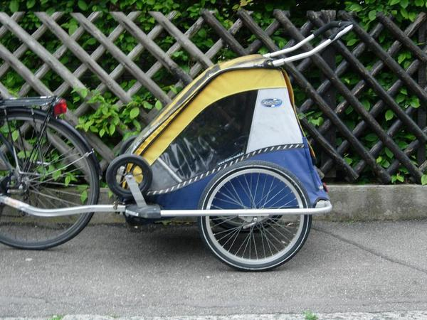 fahrradanh nger chariot chauffeur mit kinderwagen set in. Black Bedroom Furniture Sets. Home Design Ideas
