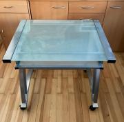 Glas Schreibtisch auf