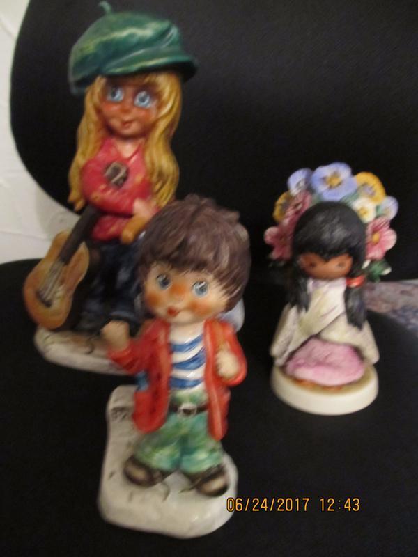Göbel Figuren von 1971, 1977 und 1983 - Kulmbach - biete 3 Göbel Figuren von 1971, 1977 und 1983 an, signiert mit Michel T und De Graziadas Flower Girl ist nur auf dem amerikanischen Markt erhältlich. evtl. auch einzeln zu verkaufen. - Kulmbach