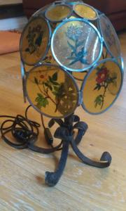Handgeschmiedete kleine Stehlampe mit Hinterglasmalerei