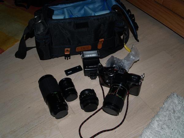 Kamera ML- set mit 3Objektiven usw tasche Top! ! - Berlin Lankwitz - Kamera-set vom Hobby-Fotografen allso gepflegt mit viel zubehör wie 3 Objektiven a.:70-210mm,49mm Hoya HMC 49mm Skylight (18) ,55mm und 3Aufsätze WEPAUTO Zwischenring 11mm,18mm,36mm.und Fernbedienung und Blitzer und tasche auch Versand - Berlin Lankwitz