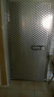 Kühlhaustüren und Kühlaggregate-