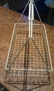 Metalltragekorb in weiß für Kücheneinsatz
