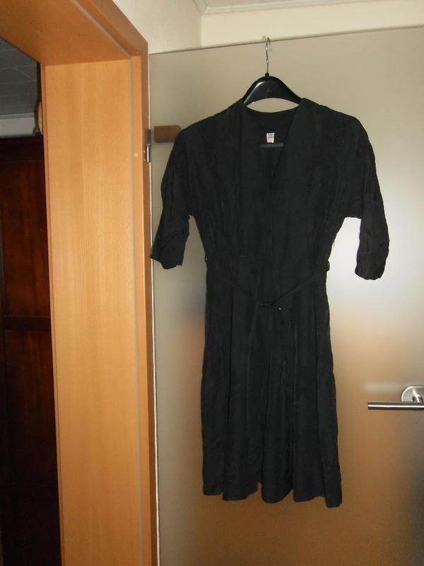 Oma`s Kleid, Gr. 44 - Ludwigshafen - Oma`s Kleid, Gr. 44, bei Versand zzgl. Versandkosten - Ludwigshafen