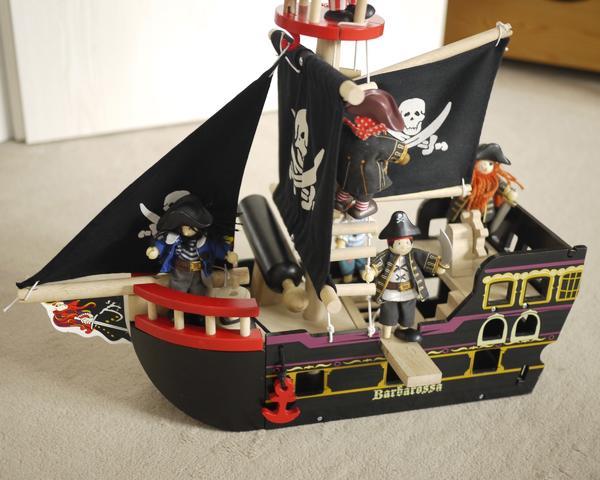 Piratenschiff aus Holz » Holzspielzeug