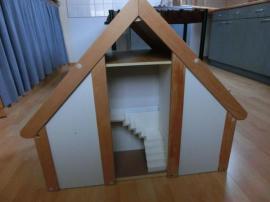 Bild 4 - Puppenstube mit massiv Holz Möbeln - Oberrot