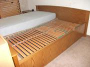 Schönes Bett in