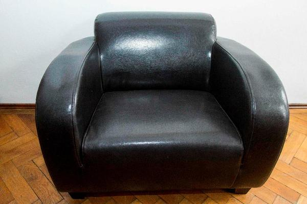 schwarzer kare sessel bomber top zustand in m nchen polster sessel couch kaufen und. Black Bedroom Furniture Sets. Home Design Ideas