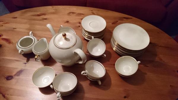 seltmann weiden bavaria kaffee geschirr set mit goldrand in stutensee geschirr und besteck. Black Bedroom Furniture Sets. Home Design Ideas
