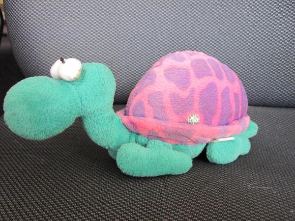 Süße Schildkröte von Heye - Berlin Lankwitz - Süße Schildkröte von Heye ca. 23cm lang, ca. 9cm breit und ca. 10cm hoch - Berlin Lankwitz