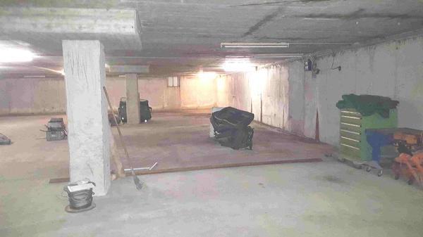 tiefgaragenpl tze und werkstatt boxen in klaus zu vermieten vermietung garagen abstellpl tze. Black Bedroom Furniture Sets. Home Design Ideas