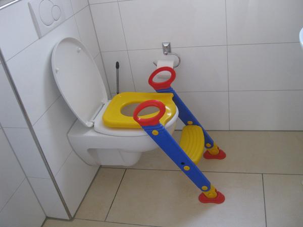 toilettentrainer neu und gebraucht kaufen bei. Black Bedroom Furniture Sets. Home Design Ideas
