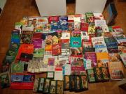 Über 130 Bücher,