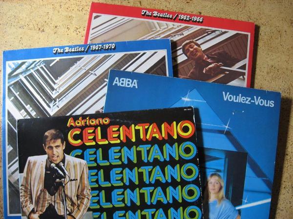 Über 300 Schallplatten 33 45
