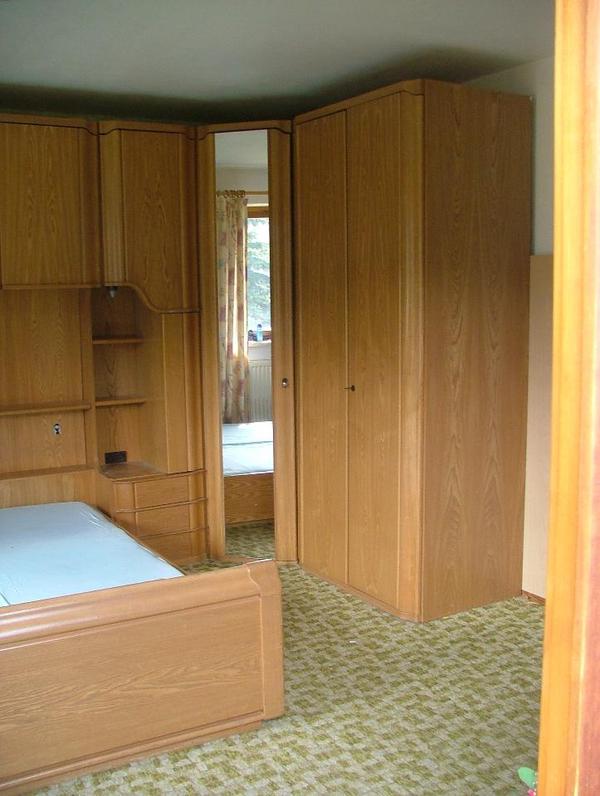 Überbau schlafzimmer mit lattenrost und matratze in teisendorf