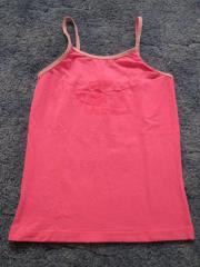 Unterhemd und 4 Unterhosen Gr