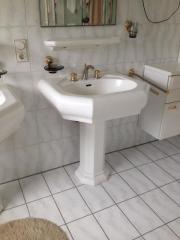 villeroy und boch waschbecken mit s ule serie opera in walldorf bad einrichtung und ger te. Black Bedroom Furniture Sets. Home Design Ideas