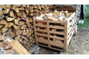 Vorgelagertes Buche-Brennholz