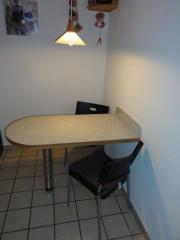 Wandtisch mit zwei